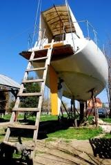 curierul-17-aprilie-barca.jpg
