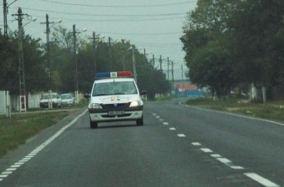masina-politie-cu-farul-chior