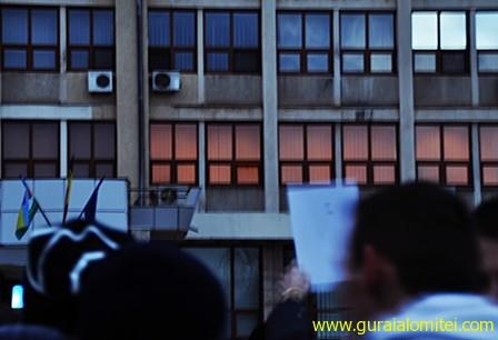 cainii latra tecu base 1 Proteste Slobozia, ziua 3 proteste sloboyia