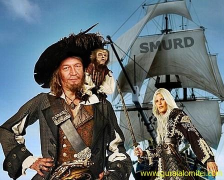 pirat Unde scuipă Vodă, sărută Ţara traian basescu raed arafat