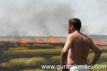 incendiu pe camp