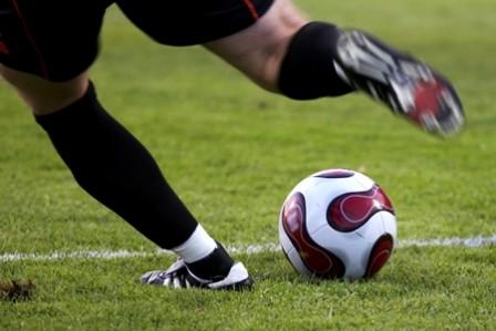 fotbal-sport-picior-